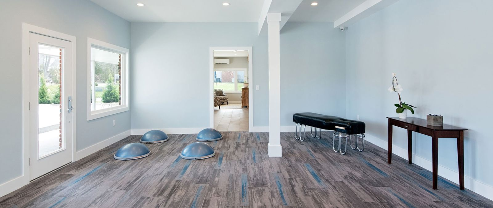 Coastal Chiropractic & Wellness' physical therapy room
